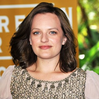 Elisabeth Moss in The 2011 Hollywood Foreign Press Association Luncheon - Arrivals