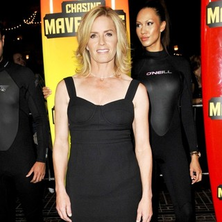 Elisabeth Shue in The Los Angeles Premiere of Chasing Mavericks - Arrivals