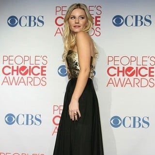 Elisha Cuthbert in 2012 People's Choice Awards - Press Room