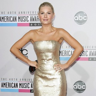 Elisha Cuthbert in The 40th Anniversary American Music Awards - Arrivals