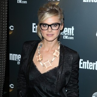 Eliza Coupe in Entertainment Weekly and ABC TV Celebrate The New York Upfronts with A VIP Cocktail Party - Arrivals - eliza-coupe-entertainment-weekly-and-abc-tv-celebrate-new-york-upfronts-01