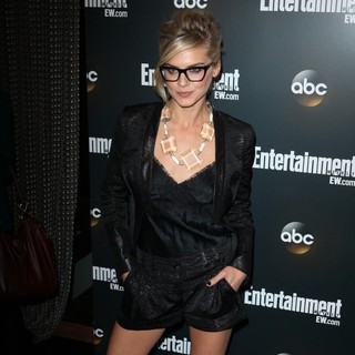 Eliza Coupe in Entertainment Weekly and ABC TV Celebrate The New York Upfronts with A VIP Cocktail Party - Arrivals - eliza-coupe-entertainment-weekly-and-abc-tv-celebrate-new-york-upfronts-02