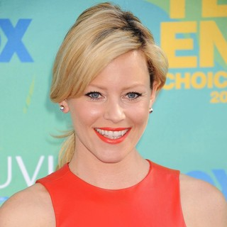 Elizabeth Banks in 2011 Teen Choice Awards