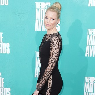 Elizabeth Banks in 2012 MTV Movie Awards - Arrivals