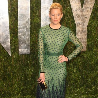 Elizabeth Banks in 2012 Vanity Fair Oscar Party - Arrivals - elizabeth-banks-2012-vanity-fair-oscar-party-01