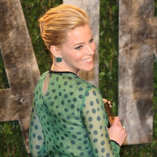 Elizabeth Banks in 2012 Vanity Fair Oscar Party - Arrivals - elizabeth-banks-2012-vanity-fair-oscar-party-02