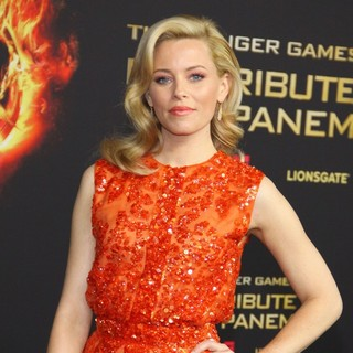 Elizabeth Banks in Premiere of The Movie The Hunger Games - elizabeth-banks-german-premiere-the-hunger-games-01