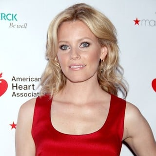 Elizabeth Banks in The Go Red for Women Premiere of Just a Little Heart Attack - Arrivals