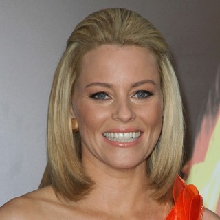 Elizabeth Banks in Los Angeles Premiere of The Hunger Games - Arrivals