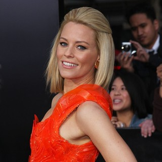 Elizabeth Banks in Los Angeles Premiere of The Hunger Games - Arrivals - elizabeth-banks-premiere-the-hunger-games-04