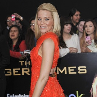 Elizabeth Banks in Los Angeles Premiere of The Hunger Games - Arrivals - elizabeth-banks-premiere-the-hunger-games-05