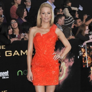 Elizabeth Banks in Los Angeles Premiere of The Hunger Games - Arrivals - elizabeth-banks-premiere-the-hunger-games-07