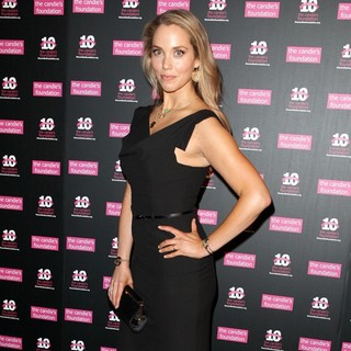 Elizabeth Berkley in Candie's Foundation 2011 Event to Prevent Benefit Gala - Arrivals - elizabeth-berkley-candie-s-foundation-2011-event-02