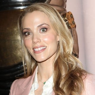 Elizabeth Berkley in Lloyd Klein Closes LA Fashion Week Fall-Winter 2012 - elizabeth-berkley-fashion-week-fall-winter-2012-01