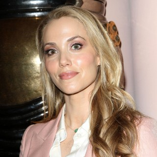Elizabeth Berkley in Lloyd Klein Closes LA Fashion Week Fall-Winter 2012 - elizabeth-berkley-fashion-week-fall-winter-2012-02