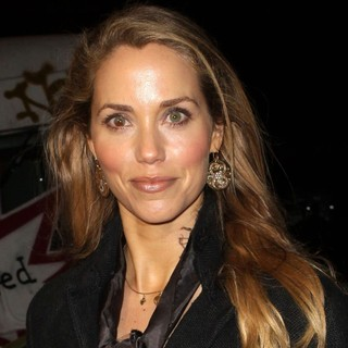 Elizabeth Berkley in Exit Through The Gift Shop - A Banksy Film USA Premiere - elizabeth-berkley-premiere-a-banksy-film-usa-01