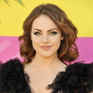 Elizabeth Gillies in Nickelodeon's 26th Annual Kids' Choice Awards - Arrivals