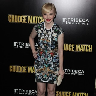 Elizabeth Olin in Grudge Match New York Screening - Red Carpet Arrivals