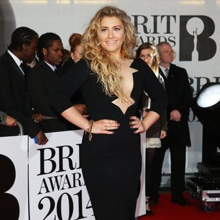 The Brit Awards 2014 - Arrivals