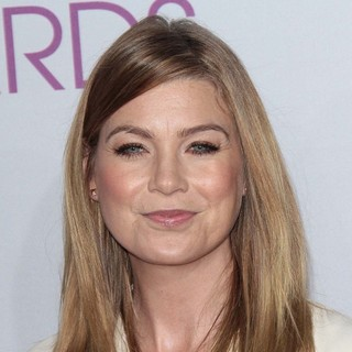 Ellen Pompeo in People's Choice Awards 2013 - Red Carpet Arrivals