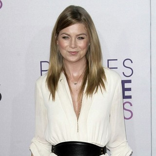 Ellen Pompeo - People's Choice Awards 2013 - Red Carpet Arrivals