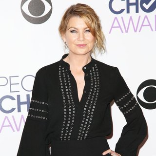Ellen Pompeo - People's Choice Awards 2016 - Press Room