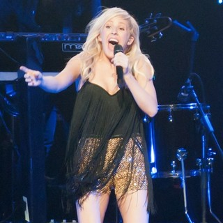 Ellie Goulding in KIIS FM's Jingle Ball 2012 - Show - ellie-goulding-jingle-ball-2012-show-03