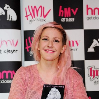 Ellie Goulding Promotes and Signs Copies of Her Album Halcyon - ellie-goulding-promotes-halcyon-02