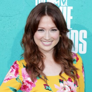 Ellie Kemper in 2012 MTV Movie Awards - Arrivals
