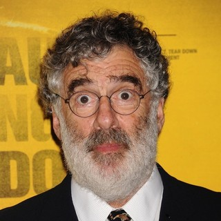 Elliott Gould in New York Premiere of Contagion - Arrivals
