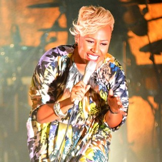 Emeli Sande in Emeli Sande Performs