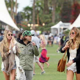 Emile Hirsch - Celebrities at The 2012 Coachella Valley Music and Arts Festival - Day 1