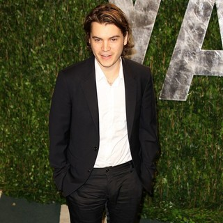 Emile Hirsch in 2012 Vanity Fair Oscar Party - Arrivals
