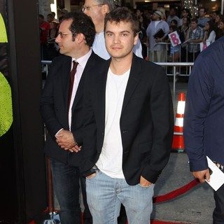 Emile Hirsch in The Premiere of Savages