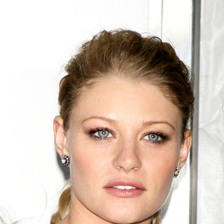 Emilie de Ravin in New York Premiere of 'Remember Me'
