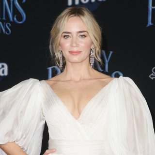 Emily Blunt in Mary Poppins Returns Premiere - Arrivals