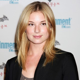 Emily VanCamp in Comic Con 2011 Day 3 - Entertainment Weekly Party - Arrivals