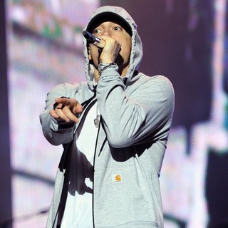 Eminem in Eminem Performs Live