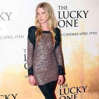 Emma Booth in Australian Premiere of The Lucky One