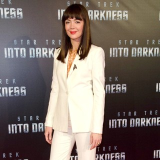 Emma Lung in The Sydney Premiere of Star Trek Into Darkness - Arrivals