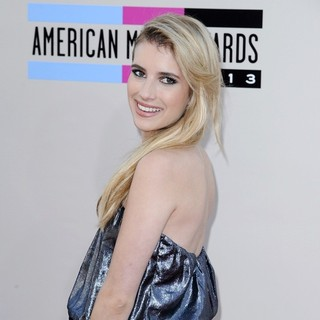 Emma Roberts in 2013 American Music Awards - Arrivals