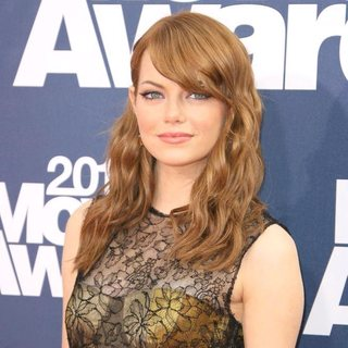 Emma Stone in 2011 MTV Movie Awards - Arrivals