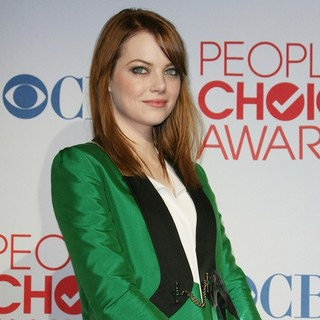 Emma Stone in 2012 People's Choice Awards - Press Room