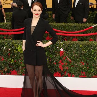Emma Stone in 21st Annual SAG Awards - Arrivals - emma-stone-21st-annual-sag-awards-02