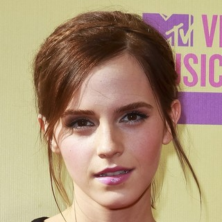 Emma Watson in 2012 MTV Video Music Awards - Arrivals