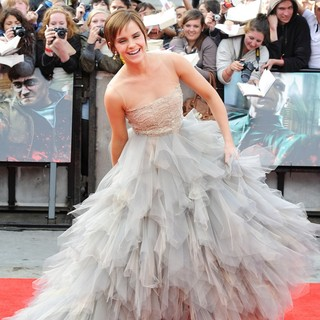 Emma Watson - Harry Potter and the Deathly Hallows Part II World Film Premiere - Arrivals
