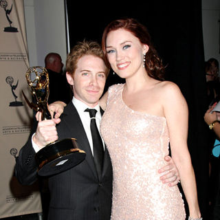 Seth Green, Clare Grant in 2010 Creative Arts Emmy Awards - Press Room