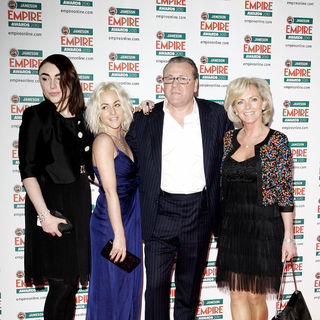 Jaime Winstone, Ray Winstone, Lois Winstone, Elaine Winstone in The Empire Film Awards 2010