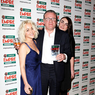 Jaime Winstone, Ray Winstone, Lois Winstone in The Empire Film Awards 2010 - Press Room