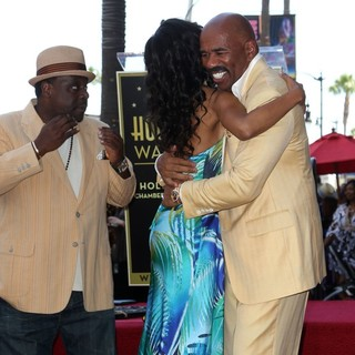 Cedric the Entertainer, Wendy Raquel Robinson, Steve Harvey in Steve Harvey Is Honoured with A Star on The Hollywood Walk of Fame